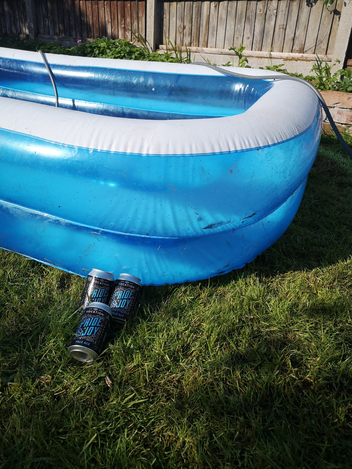 It's beers by the paddling poolweather.